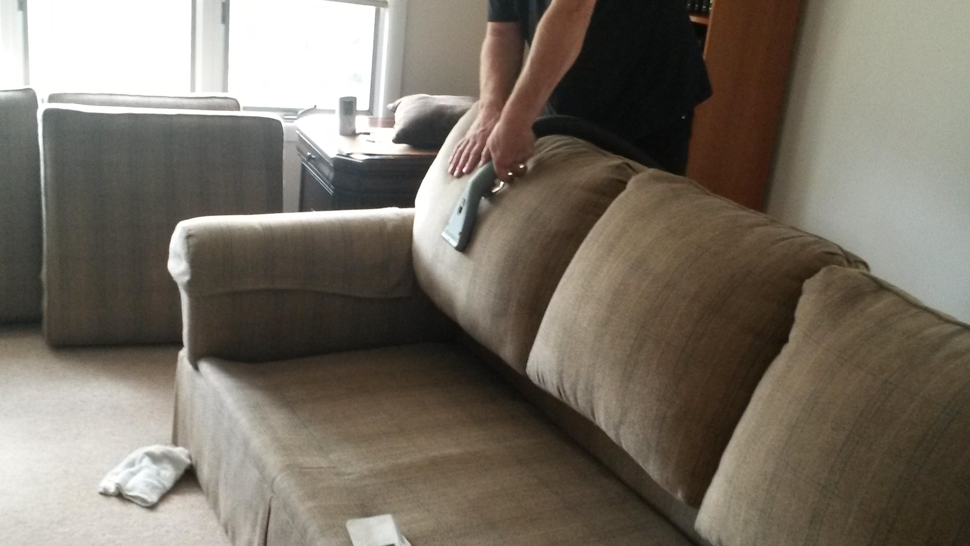 cuci-sofa-jakarta